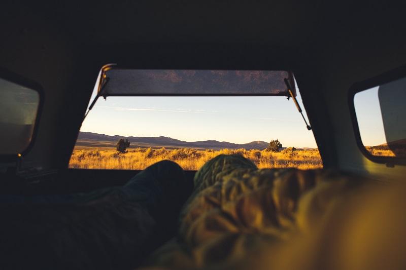 husk soveposen på turen